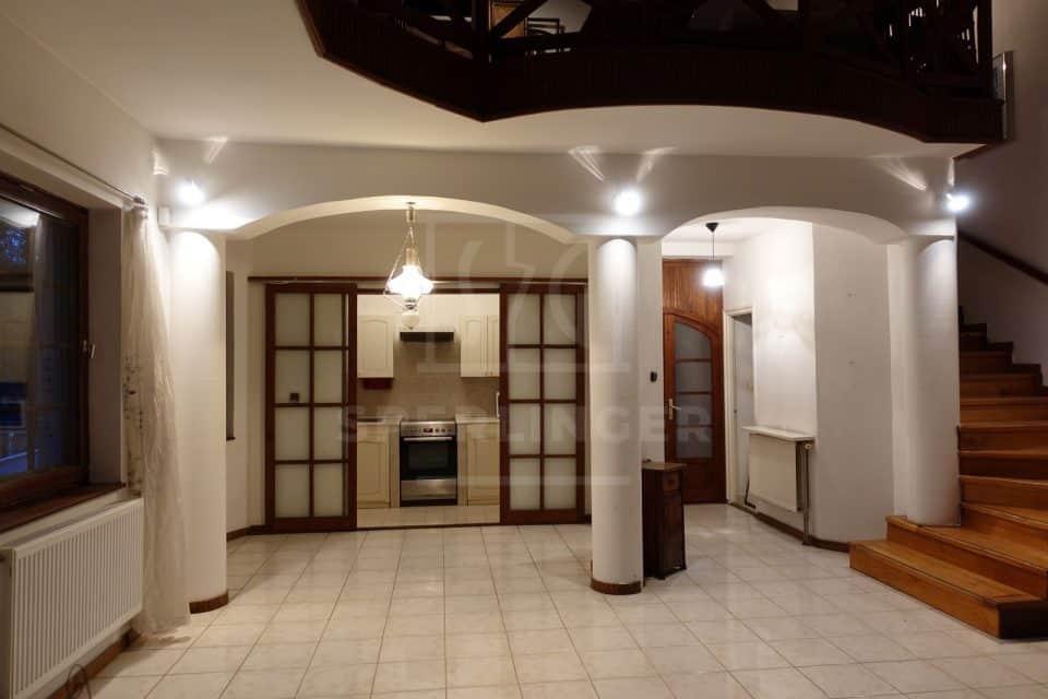 Különleges kialakítású lakás 04